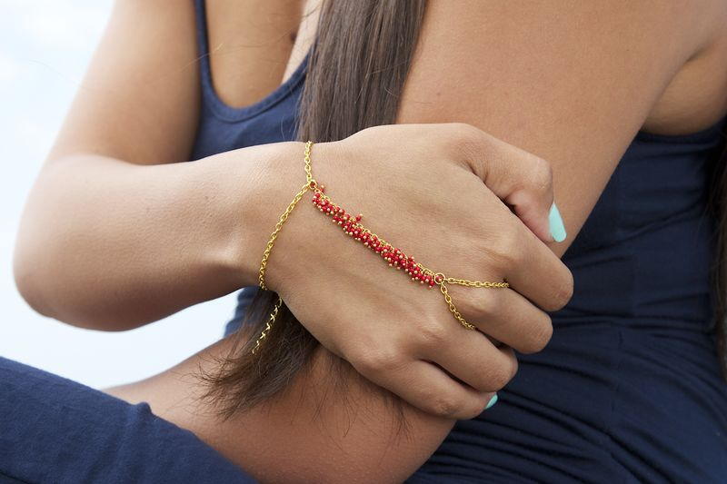 LOVMELY HAND CHAIN. bracelet. slave bracelet. turqouise , white, or coral beads - product images  of