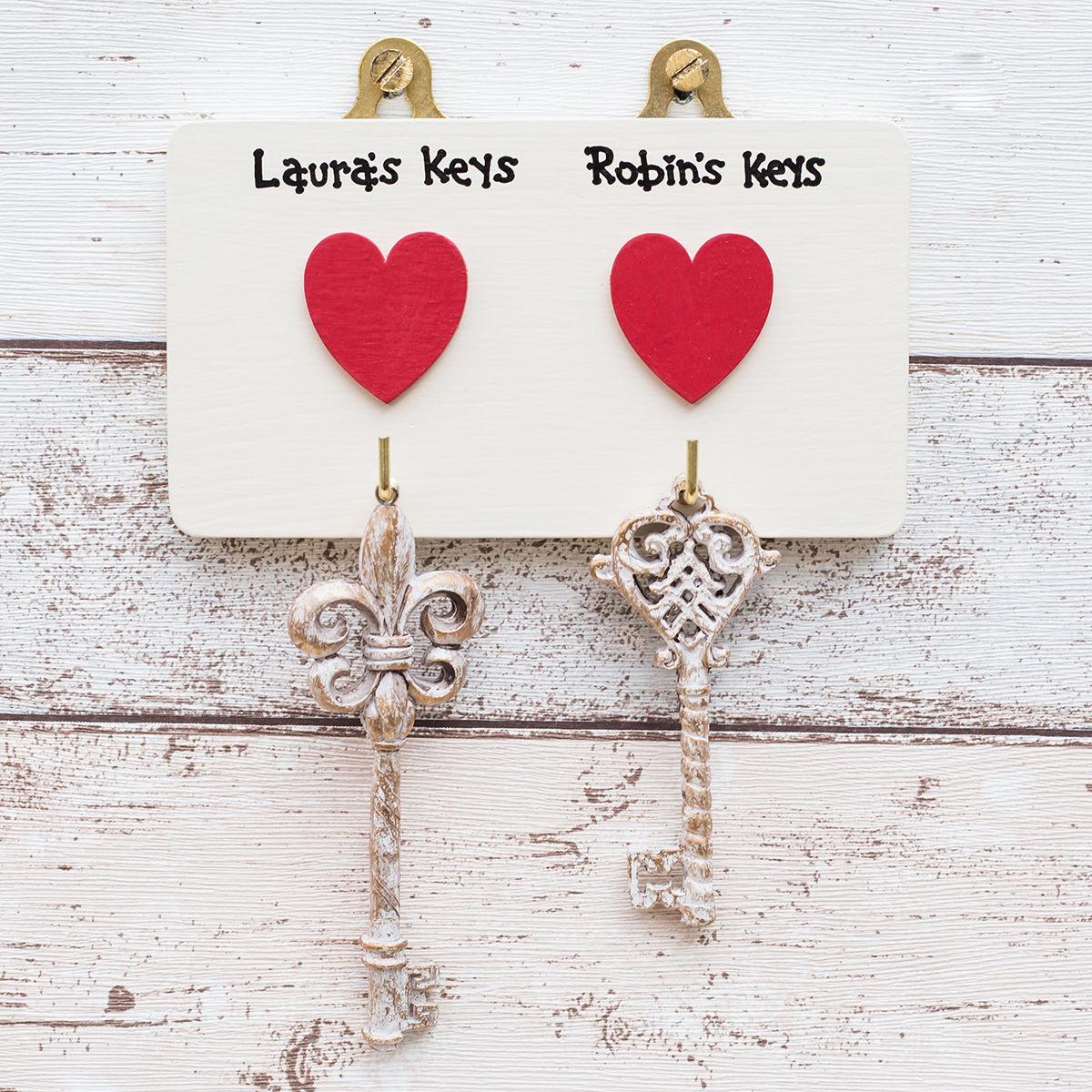 Personalised Two Heart Key Hook Hanger - siop gardd