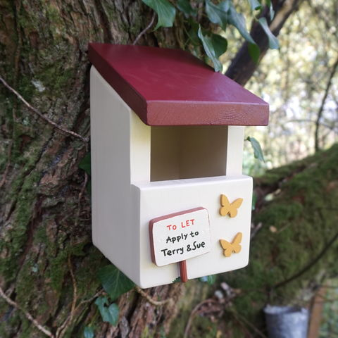 Personalised,Robin,Box,bird house, bird box, nesting box, robin box, handmade in Wales, Wildlife box, bird house, garden accessory, personalised bird house