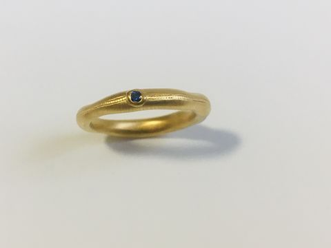 Single,Sapphire,Wobbly,band,rings,-,GOLD,vermeil,sapphire ring, wobbly band, perfectly imperfect, organic, gold, silver, gold plated, satin finish, green sapphire, blue sapphire, orange sapphire, red sapphire, sapphire ring, gemstone rings, one of a kind