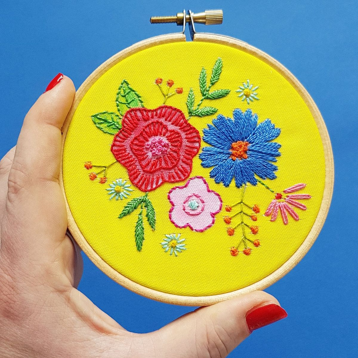 Printed Embroidery Pattern Small Floral Posy - product image