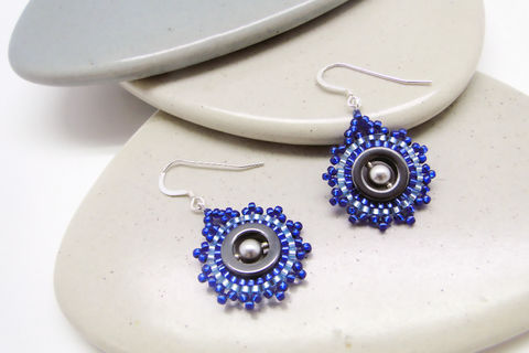Single Dial Beaded Earrings In Midnight Blue