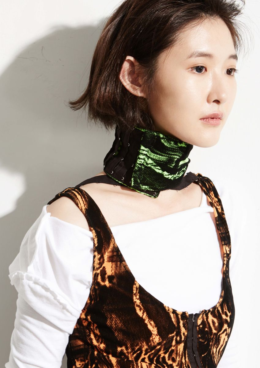 8ENNY LIN WIDE CHOKER SCARF - product image