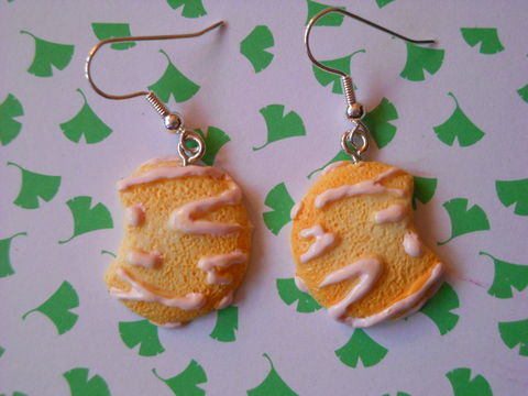Pink,Cookie,Earrings,harajuku kawaii half eaten cookie with pink icing  sweets food drop earrings