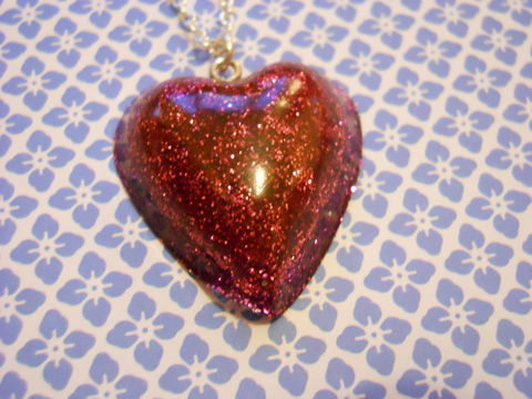 Pink,and,Red,Heart,Necklace,Super kawaii love shiny heart shaped resin filled with pink and red glitter pendant silver gold necklace chain cute pendant