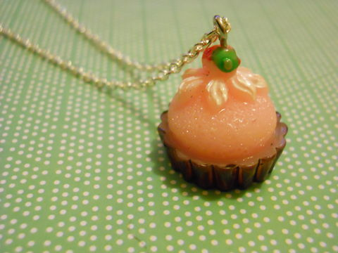 Pink,Cupcake,Necklace,Super kawaii gateau food pink cupcake cake topped with a strawberry pendant silver gold necklace chain cute pendant