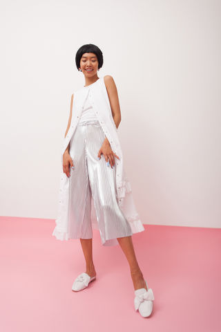 Ruffles,long,shirt-dress,colour,white,mengqi ma, meng qi ma, mengqi ma uk, meng qi ma uk, cotton dress, cotton dress uk, independent brand dress, hoodie, silver hoodie,