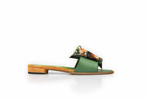 Wavy,sandals-,in,jungle,motif