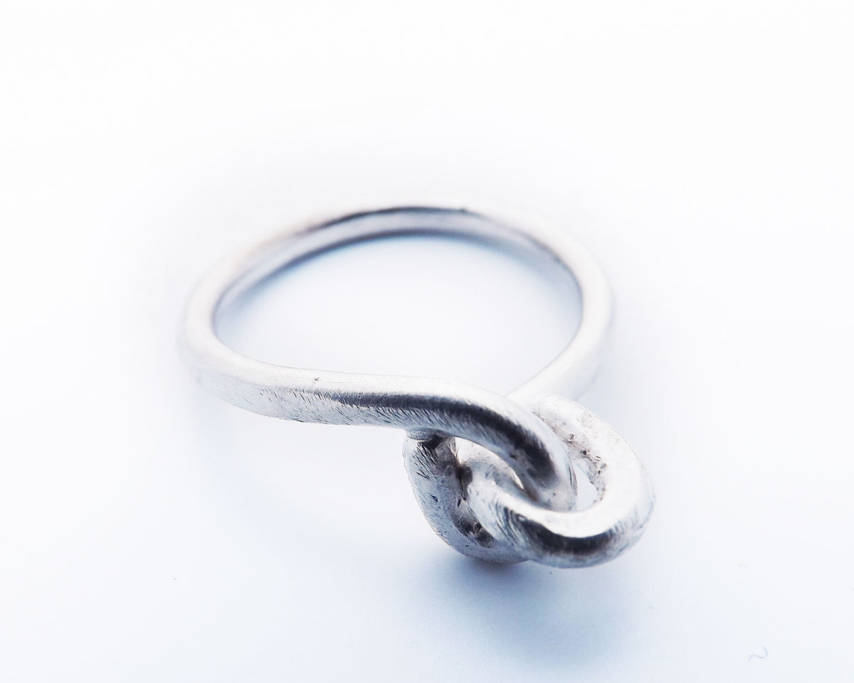 silver love-knot ring - product image