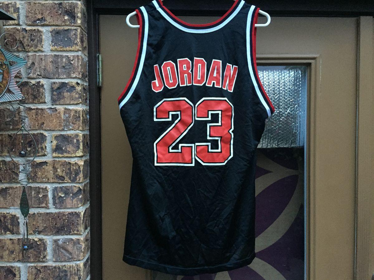 half off cf9a3 123b6 Vintage 90s Chicago Bulls Michael Jordan Champion Jersey