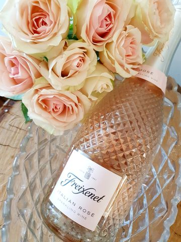 Freixenet,Sparkling,Wine,Sparkling wine, Flower bar bunbury, flowers delivered Bunbury, Order flowers online Bunbury, Florist Bunbury, wildflowers bunbury, bunbury natives
