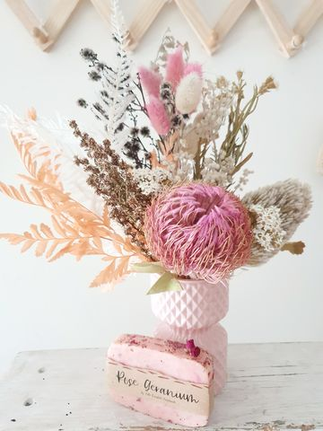 Dried,Posy,Vase,Mothers day, Mothers day flowers bunbury, bunbury florist, mothers day bunbury, mothers day gifts, Dried flowers bunbury, Dried mothers day flowers