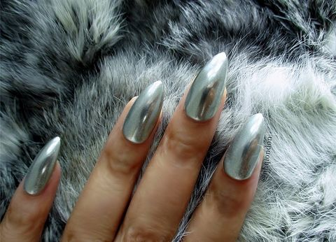 Mirror,Mirror Nails UK, Chrome Nails Uk, Mirror Nails, Chrome Pigment Nails, Chrome Stiletto Nails