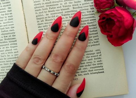 Venom Stiletto Press On Nails Uk Black And Red