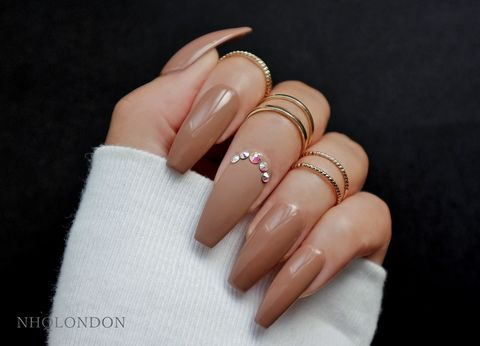 RENDEZVOUZ,neutral coffin nails, neutral nail art, press on nails, press on nails uk