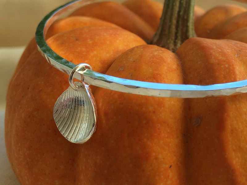 Single shell bangle - product images  of