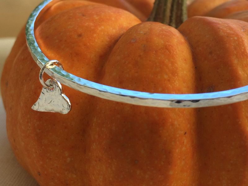 Silver heart bangle - product images  of