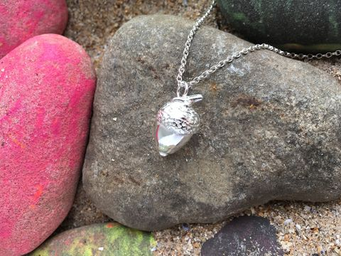 Silver,acorn,pendant,and,necklace,Acorn necklace, nature jewellery, silver jewellery.