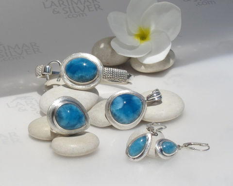 AAA,Larimar,Set,,The,Bride,of,Nemo,-,mesmerizing,abyss,blue,Weddings,Jewelry,Larimar_set,AAA_Larimar,hook_bracelet,larimar_jewelry,Larimar_ring,Larimar_pendant,Larimar_earrings,deep_blue,dark_blue,night_blue,peacock_blue,wedding_jewelry,bride_jewelry,aka Pectolite,aka Atlantis stone,aka Dolphin stone,aka L