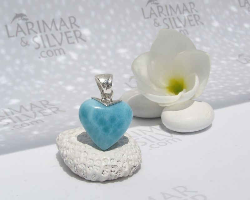 SOLD OUT - Tiny Larimar heart choker - I love Fidji - product images  of