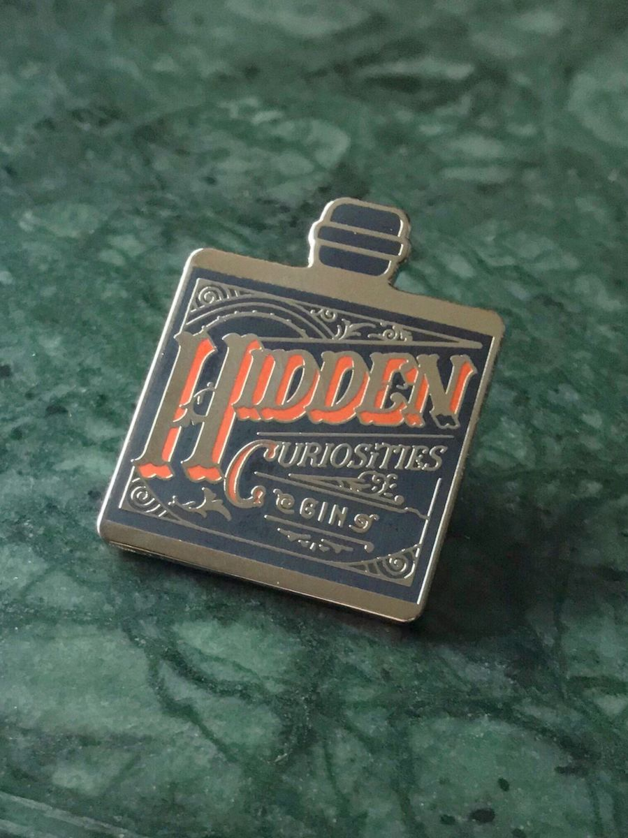 Hidden Curiosities Gin Badge - product image