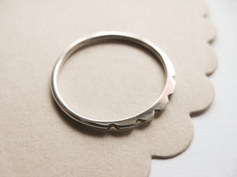 Tiny,Petal,Ring,Jewellery for girls, unique silver Ring,misluo jewelry,slim_stacker,stacking_ring,simple_ring,minimalist_ring,thin_ring,modern_ring,urban_ring,simple_silver_ring, made in UK