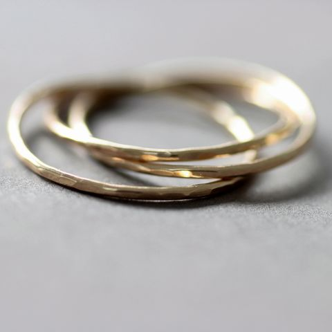 9ct,Gold,Interlocking,ring,interlocking gold ring, slim gold ring,minimalist gold ring, rolling wedding band, Hammered rolling Ring, minimalist gold ring, modern gold ring, unusual gold ring, handmade gold ring, gift for women, handmade jewellery UK