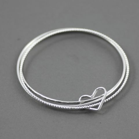 Open,Heart,Sterling,Silver,Bangle,Heart Silver Bangle, Set of three, Hammered silver bangle, minimal silver bracelet,handmade jewellery UK, simple silver Bracelet, layering bracelet,sterling silver bracelet,modern silver bangle,minimalist design, modern jewellery uk, modern jewelry, gift