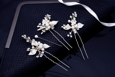 Elle,Bridal,Hair,Pins,Weddings,Accessories,crystal_comb,bridal_comb,wedding_comb,rhinestone_comb,wedding_hair_pin,bridal_hair_pin,crystal_hair_pin,pearl_comb,bridal_headband,bridal_hair_clip,wedding_headband,pearl_hair_comb,rhinestone_hair_clip