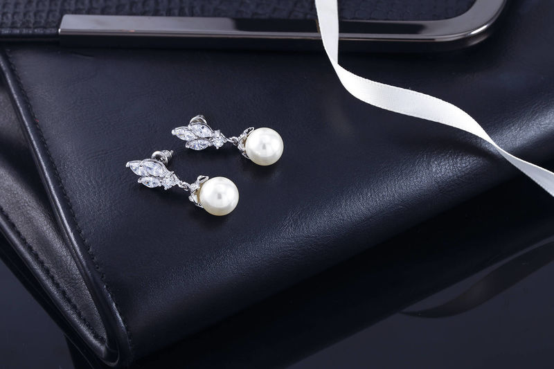 Maggie Bridal Earrings - product image