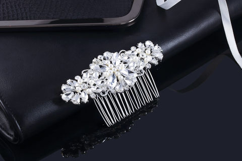 Lexie,Bridal,Comb,Weddings,Accessories,bridal_comb,wedding_comb,crystal_comb,wedding_jewelry,bridal_jewelry,bridesmaids_comb,pearl_comb,crystal_pearl_comb,Rhinestone_Comb,Hair_Comb,Wedding_Hair_Comb,Bridal_Hair_Comb,Bridal_Headband