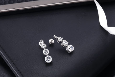 Bree,Bridal,Earrings,Weddings,Jewelry,triple_stone_earring,simple_earrings,drop_earrings,stud_earrings,bridal_earrings,bride_earrings,wedding_earrings,prom_earrings,chandelier_earrings,zirconia_earrings,zirconia_jewelry,crystal_earrings,bridesmaids_earrings