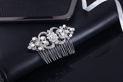 Fiona,Bridal,Comb,Weddings,Accessories,bridal_comb,wedding_comb,crystal_comb,wedding_hair_comb,bridal_hair_comb,bridesmaid_hair_comb,rhinestone_comb,crystal_hair_comb,silver_hair_comb,rhinestone_headpiece,rhinestone_hairpiece,wedding_veil_comb,bridal_veil_comb