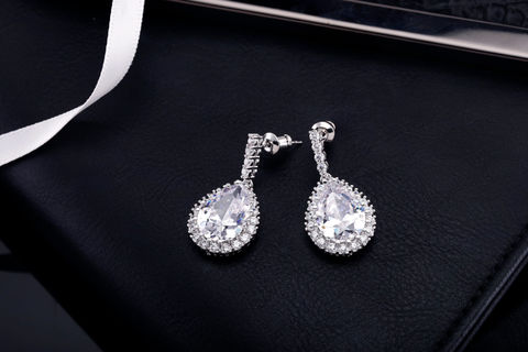 Willa,Bridal,Earrings,Weddings,Jewelry,bridal_earrings,wedding_earrings,wedding_jewelry,bridal_jewelry,crystal_earrings,bridesmaids_earrings,rhinestone_earrings,cubic_zirconia,bridesmaid_gift,bridesmaid_jewelry,cz_earrings,chandelier_earrings,drop_earring