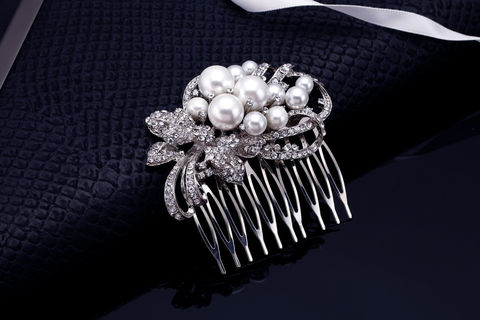 Delaney,Bridal,Comb,Weddings,Accessories,bridal_comb,hair_comb,wedding_comb,silver_comb,pearl_bridal_comb,rhinestone_comb,crysal_comb,crystal_pearl_comb,wedding_hair_piece,wedding_hair_comb,bridal_hair_comb,bridesmaids_comb,pearl_comb