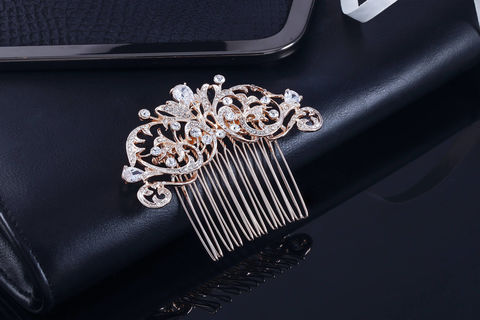 Felicity,Bridal,Comb,Weddings,Accessories,bridal_comb,wedding_comb,crystal_comb,crystal_hair_comb,wedding_hair_comb,bridal_hair_comb,rose_gold_hair_comb,rose_gold_comb,rhinestone_comb,wedding_hair_piece,bridal_hair_piece,bridesmaid_hair_comb,crystal_wedding_comb