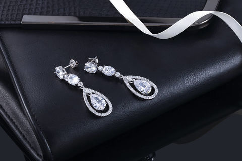 Isabella,Bridal,Earrings,Weddings,Jewelry,wedding_earrings,bridal_earrings,crystal_earrings,bridal_drop_earrings,bridesmaids_earrings,chandelier_earrings,long_bridal_earrings,crystal_drop_earring,teardrop_earrings,cz_earrings,cz_jewelry,rhinestone_earrings,swarovski_earrings