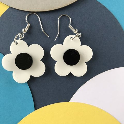White,and,Black,Sixties,Style,Statement,Buttercup,Earrings,Black and white, buttercup, flower earrings, sixties jewellery, retro earrings, black earrings, white, statement monochrome