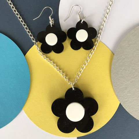 Black,and,White,Buttercup,set,-,Earrings,Pendant,White and black, black and white, buttercup, flower earrings, earrings and pendant set, sixties jewellery, retro earrings, black earrings, white, statement monochrome