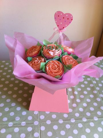 Mothers,day,pink,bouquet,Mothers day gifts, mothers day cupcakes, mothers day bouquet, mother day delivery tonbridge