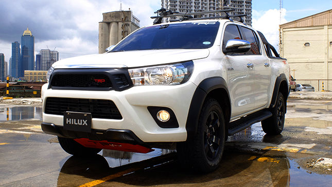 Hilux 2015-Current Tailgate strut kit - product images  of