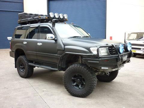100,Series,Bonnet,Struts, Landcruiser
