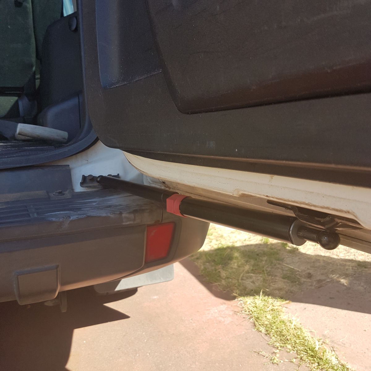 NS,NT,NW,NX Pajero Rear Door Strut - product images  of