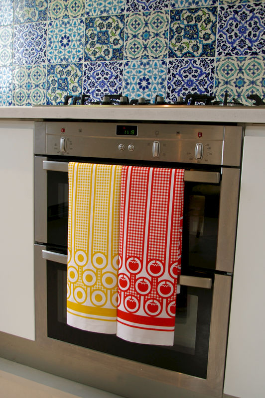 Cotton tea towel - tomatoes pattern - product image