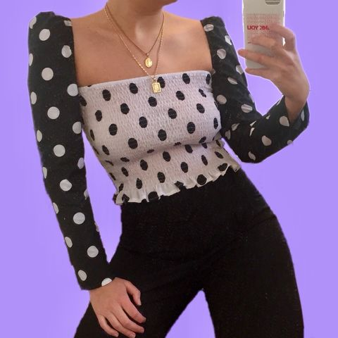 The,Romance,Top,in,Black,&,White,Polka,polka puff sleeve gathered shirring shirred top