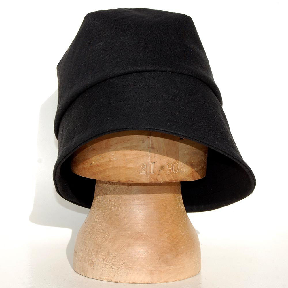 ... Black rain hat in waxed cotton ZUTamelie - product images of ... fcc41b67bf7