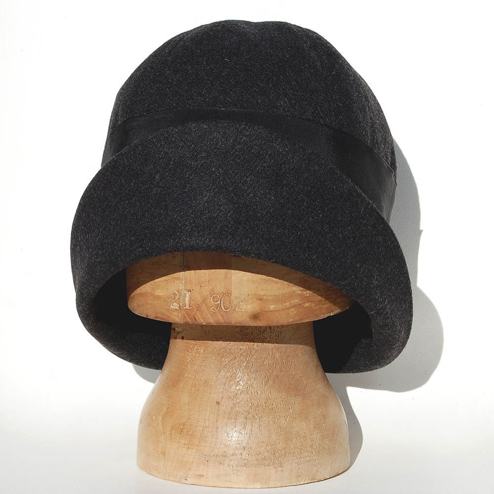 36deccb0d5e ... Black wool cloche hat ZUTina - product images of ...