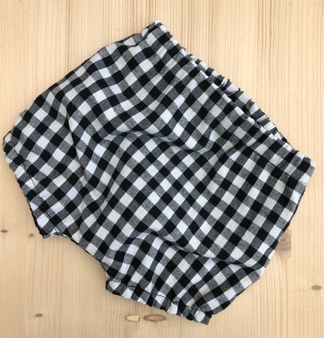 Bubble,leg,baby/toddler,bloomers,-,Gingham,(black,and,white),Bubble leg bloomers, bloomers, toddler bloomers, cotton, trendy baby, vintage style baby, gingham, monochrome