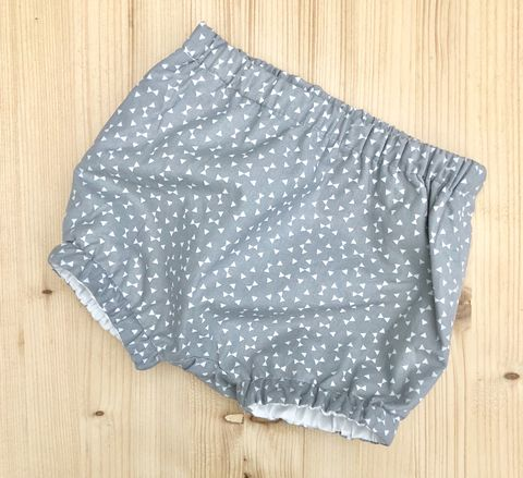 Bubble,leg,baby,,toddler,bloomers,-,pale,grey,and,off,white,Bubble leg bloomers, bloomers, toddler bloomers, grey, off white, trendy baby, vintage style baby