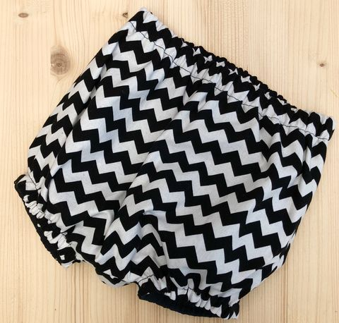 Bubble,leg,baby,,toddler,bloomers,-,monochrome,zigzag,,chevron,stripes,Bubble leg bloomers, bloomers, toddler bloomers, monochrome, trendy baby, vintage style baby